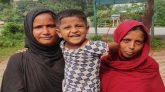 """শাহজাদপুরে ফেলে যাওয়া ৪ বছরের আমিনা'কে নিতে এলো পাগলী """"মা"""""""
